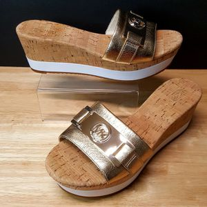 MK Michael Kors Warren Wedge Platform Slip On Sandals Gold Leather Sz 7 for Sale in Augusta, GA