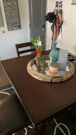 Kitchen Table and 4 barstools for Sale in San Diego, CA