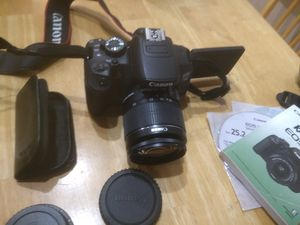 Canon T4i DSLR Camera with battery backpack combo for Sale in Oakland, CA
