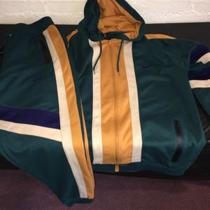 Nike Sweatsuit Size Xxl Only for Sale in Waterbury, CT