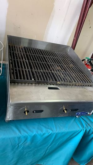 2ft charcoal grill for Sale in Richardson, TX
