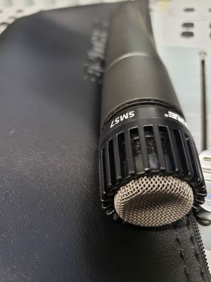 Shure Sm57 mic (used thrice) $75 for Sale in Knightdale, NC