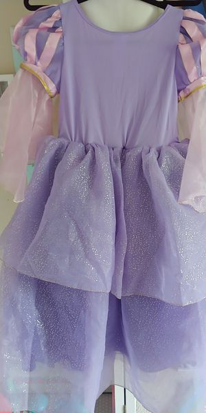 Castle collection rapunzel gown for Sale in Wheeling, IL