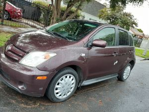 2005 Toyota Scion clean tittle for Sale in Los Angeles, CA
