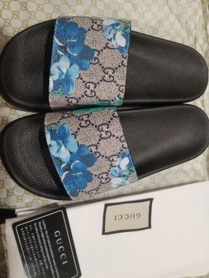 NWT Gucci rubber sandals, EUR39/US8 for Sale in Niles, IL