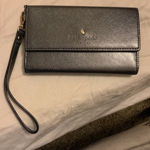 Kate Spade Woman's Wallet for Sale in Washington Court House, OH