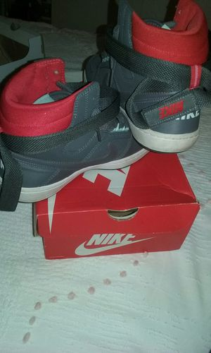 Nike size 8.5 for Sale in West Palm Beach, FL