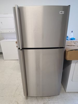 Lg stainless steel top freezer refrigerator used good condition with 90day's warranty for Sale in Hyattsville, MD