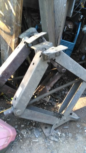 2 B&L 5000lbs trailer leveling jacks for Sale in Roseville, CA