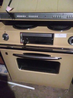1970s slide in stove free for Sale in Sunbury, PA