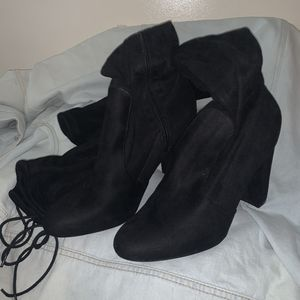 Tie Back Heeled Thigh High Boots - Size 11 in Women's footwear - Black suede color - Barely Used for Sale in Salt Lake City, UT