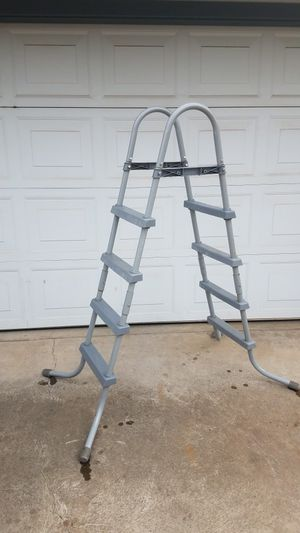 Above ground pool Ladder! for Sale in Fresno, CA