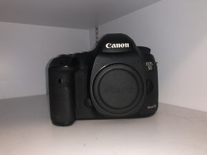 Canon 5D mk3 Body w/ Battery and Charger for Sale in Crestview, FL