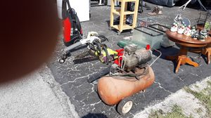 Husky pressure washer for Sale in Wesley Chapel, FL
