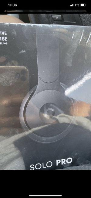 Beats by Dr. Dre Solo Pro On Ear Wireless Headphones - Black for Sale in Los Angeles, CA
