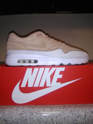 Mens Airmax size 10 for Sale in Jurupa Valley, CA