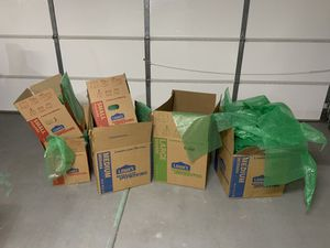 Moving boxes and bubble wrap for Sale in Peoria, AZ
