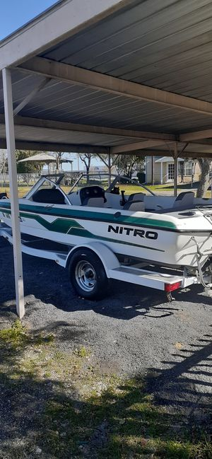 1998 boat moter trailer nitro 18 1/2 ft $4300 for Sale in Royse City, TX