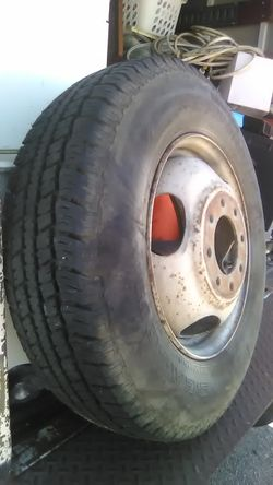 Tire on rim 8,75by16,5 for Sale in Long Beach,  CA