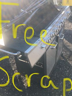 Free Scrap metal pick up in Southeast Portland for Sale in Portland,  OR