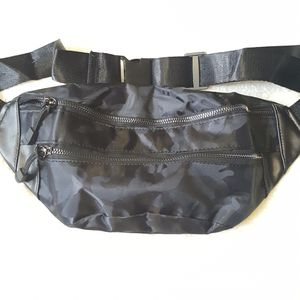 Reflective Black Camouflage Nylon Leather Fanny Pack for Sale in Baltimore, MD