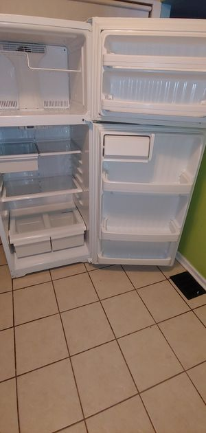 Ge. Refrigerator for Sale in Wheaton, MD