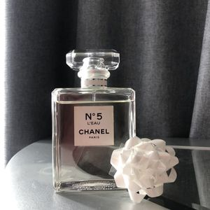 Chanel N5 L' Eau Perfume for Sale in Victorville, CA
