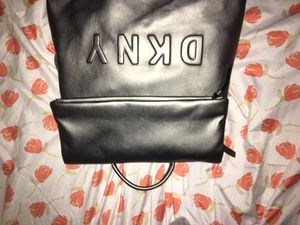 DKNY BAG for Sale in Chevy Chase, MD