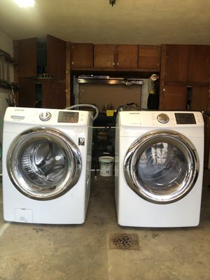 2016 Samsung washer and dryer - electric for Sale in Pittsburgh, PA
