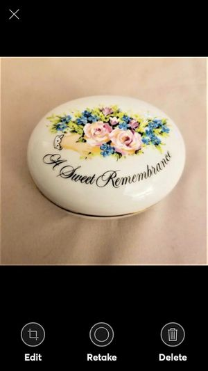 Avon Valentine's Day 1982 A Sweet remembrance A Token of Love trinket box for Sale in Lynchburg, VA