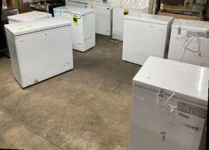 Chest freezers EV4VP for Sale in San Antonio, TX