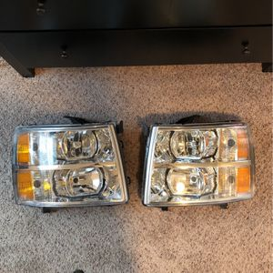 207-2013 Silverado Front Headlights for Sale in Puyallup, WA