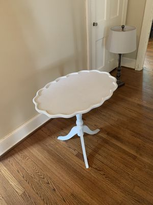 White Wood Table for Sale in Loudon, TN