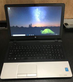 """HP 350 17"""" i3//4GB//120GB SSD -Windows 10 -Runs fast -Like New!!! for Sale in Elmhurst, IL"""