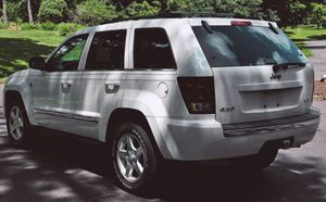 Powerful Truck Great 2005 Jeep Grand Cherokee for Sale in Richmond, VA