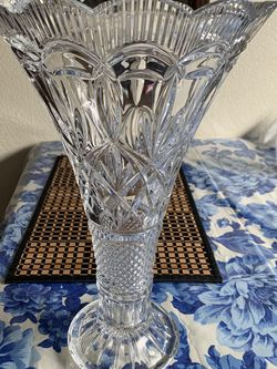 Glass Flower Vase for Sale in Spanaway,  WA