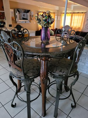 Iron Kitchen Table for Sale in Los Angeles, CA