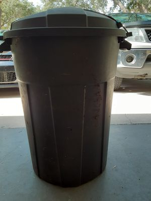 ROLLING COMPOSTER 28 INCHES TALL, 23 INCHES WIDE, LID SNAPS IN PLACE, HOLES DRILLED IN SIDES FOR DRAINAGE, for Sale in Ocoee, FL