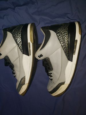 JORDAN 3 GRAY WOLF SIZE 13 STILL AVAILABLE PICK UP DOWNTOWN for Sale in Phoenix, AZ