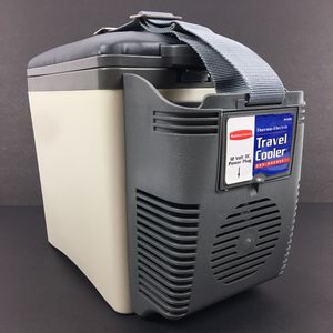 Rubbermaid Thermo Electric Travel Cooler and Warmer for Sale in North Las Vegas, NV