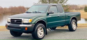 {Toyota Tacoma} 2000 URGENT FOR SALE !! for Sale in Macon, GA