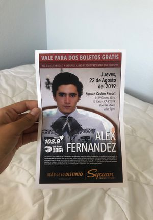 2 boletos para Alex Fernández for Sale in Spring Valley, CA
