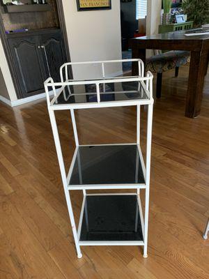 Small shelf/stand for Sale in San Fernando, CA