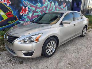 2013 Nissan Altima 70k miles $5900 for Sale in Miami, FL