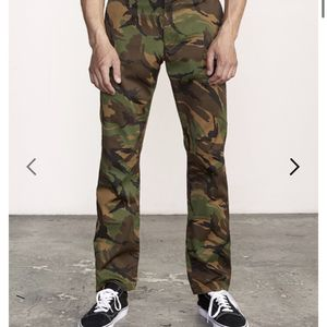 NWT RVCA Weekend Stretch Straight Slim Pants for Sale in Las Vegas, NV