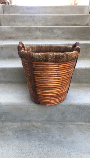Basket for Sale in Norco, CA