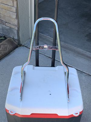 200 series rear tire back rest and rack for Sale in Riverview, FL