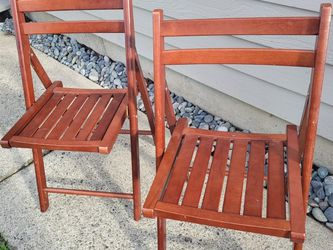 Set Of 2 Folding Chairs for Sale in Lynnwood,  WA
