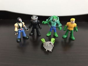 mixed Lot of 4 TM DC Comics 3 inches Tall Action Figures for Sale in Lebanon, CT