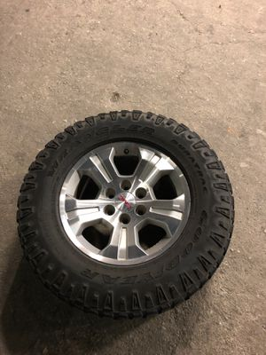 GMC-CHEVY wheels and tires for Sale in San Antonio, TX